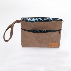 baily-wristlet-amber